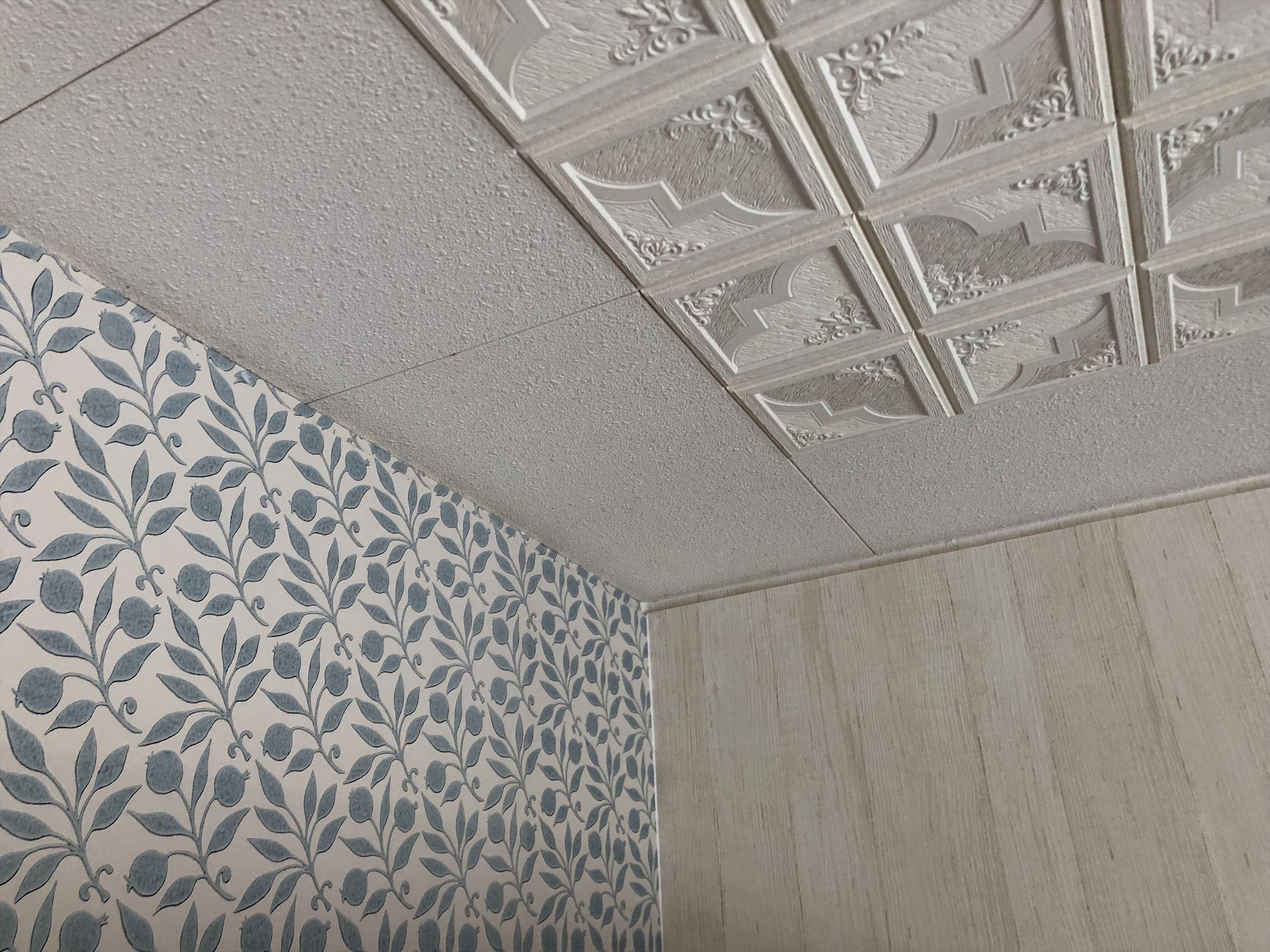 輸入壁紙に貼り替え カーテンコール 徳島市のオーダーカーテン専門店